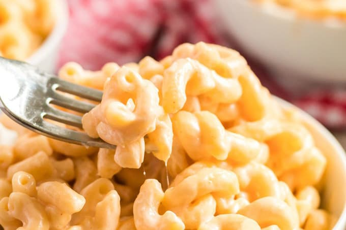 forkful of instant pot mac and cheese