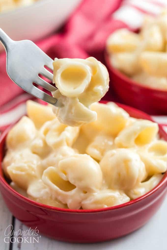 fork full of homemade panera mac and cheese