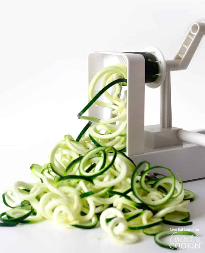 spiraling zucchini noodles