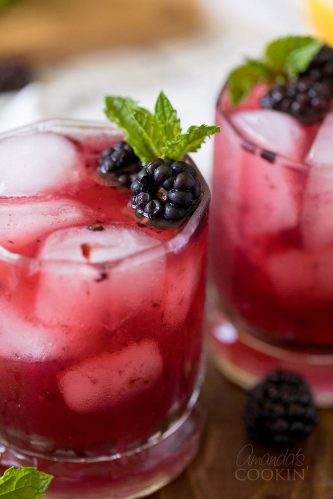 close up photo of blackberry bourbon lemonade