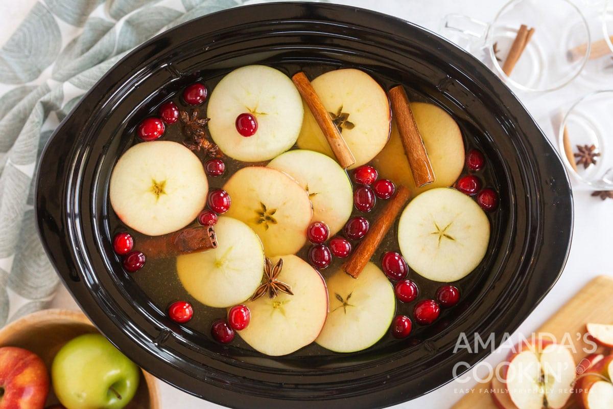 hot apple cider in crockpot