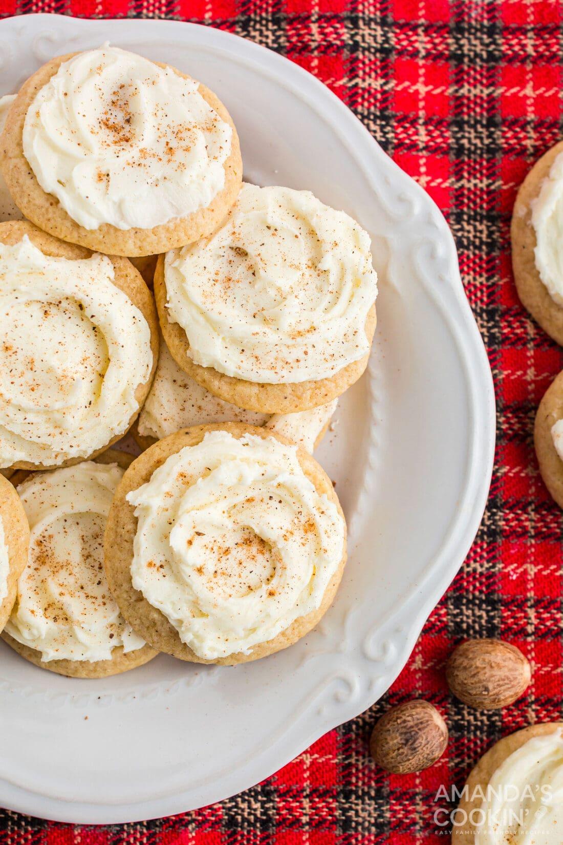 plate of eggnog cookies