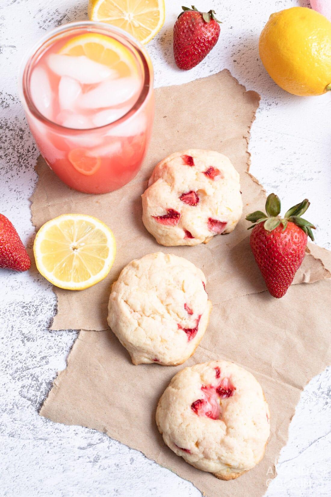Strawberry Lemonade Cookies