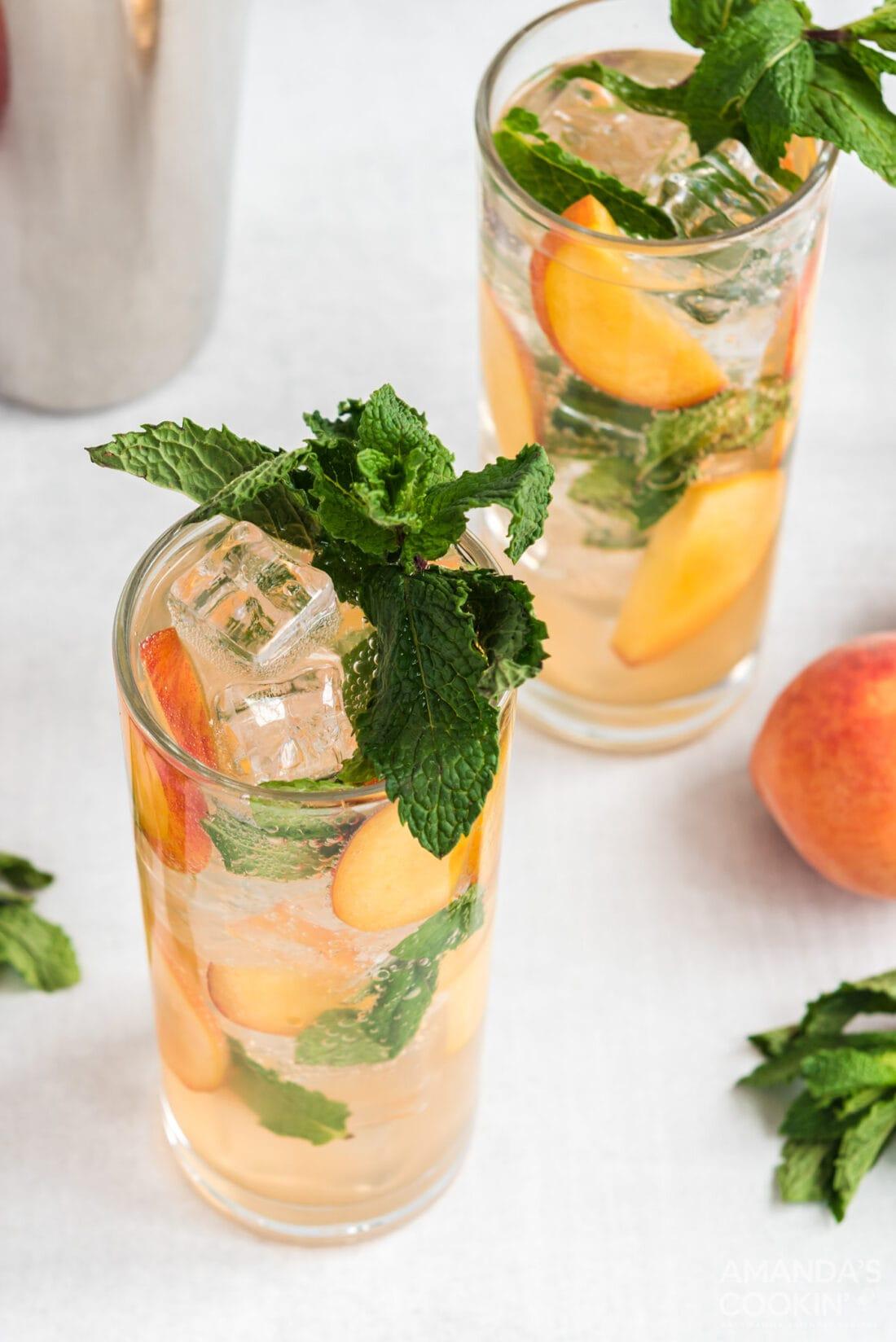 2 glasses of peach mojito