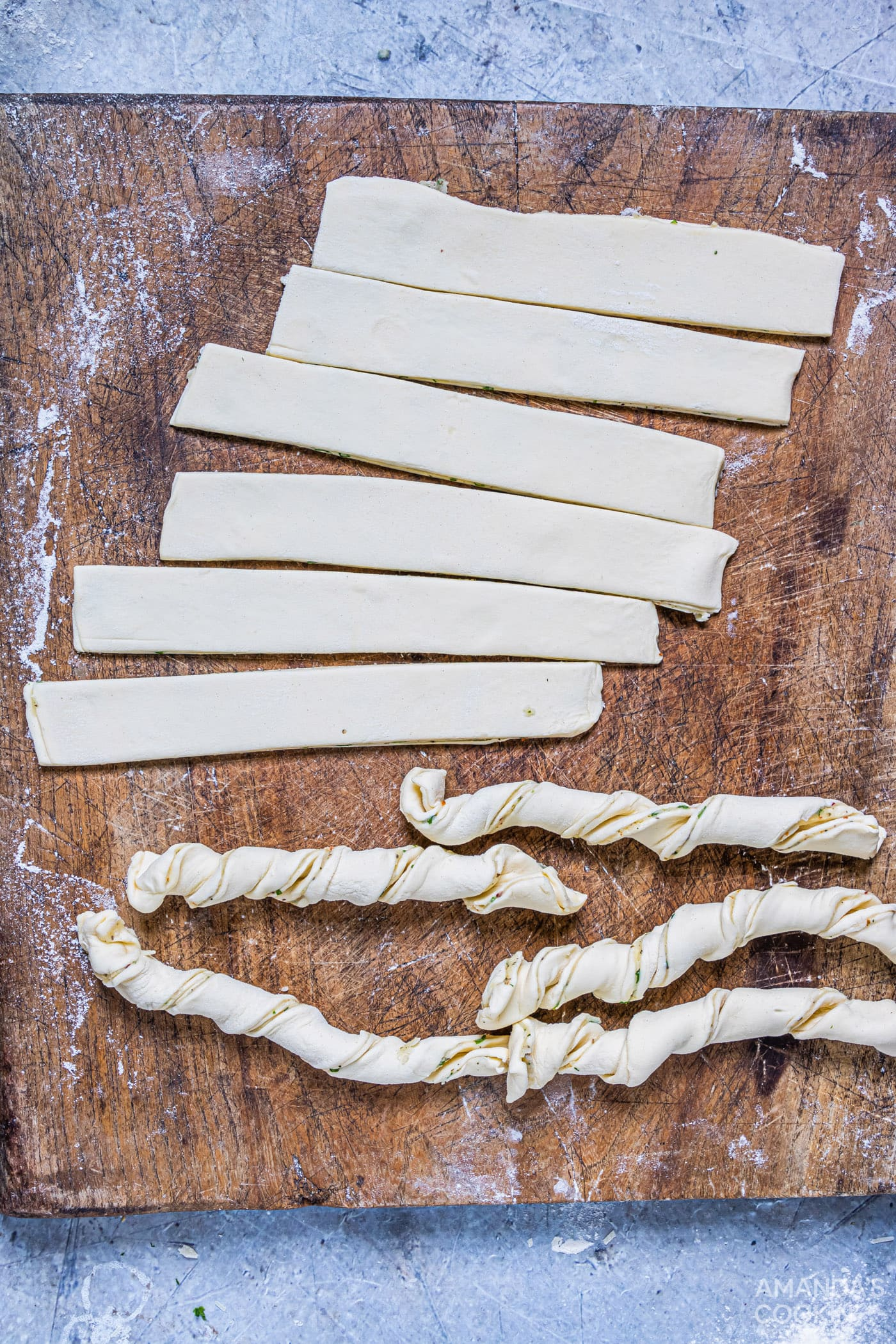 twisted puff pastry slices