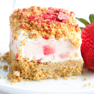 No Bake Strawberry Cheesecake Bar