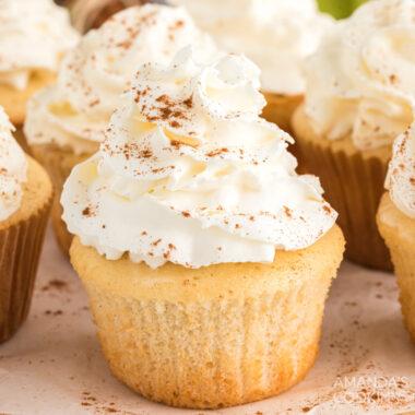 3-Ingredient Apple Pie Cupcakes